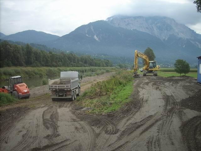 Anfang September 2011 wurde die Baustelle eingerichtet.